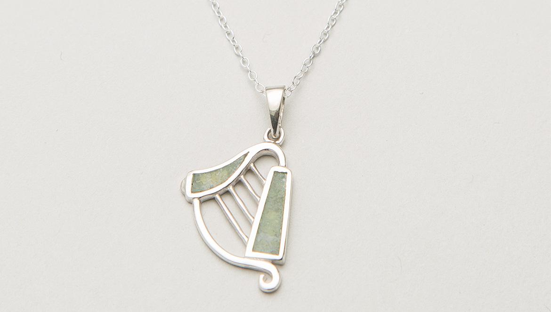 Harp pendant