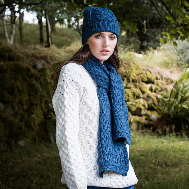 Hat and scarf set