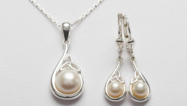 Trinity Knot Pearl Jewelry Set