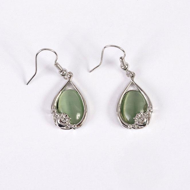 Cats eye earrings