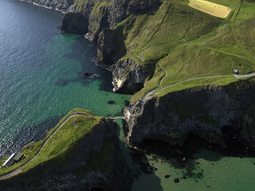 Walking Around Ireland Carrick-a Rede