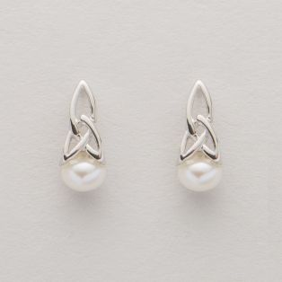 Tara's Diary Trinity Knot Pearl Earrings