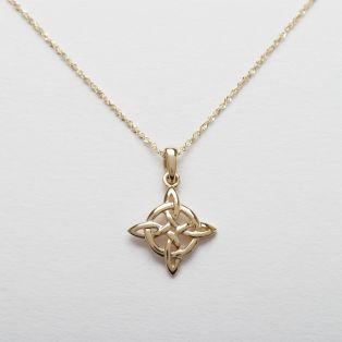 10 carat Celtic Knot Pendant