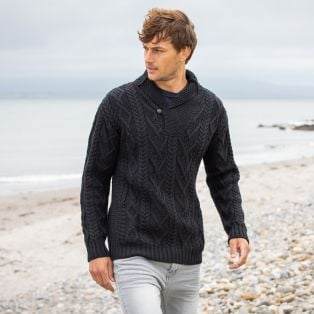 Stylish Men's V-Neck One Button Aran Sweater