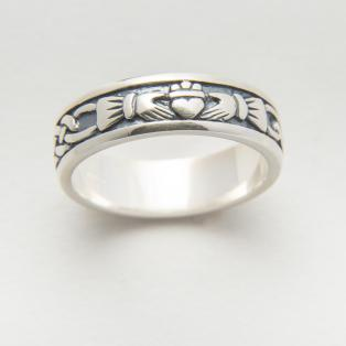 Sterling Silver Ladies Claddagh Wedding Band