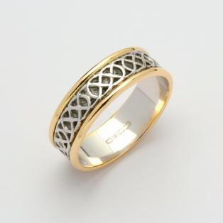 Gents 14K Narrow Sheelin Wedding Band