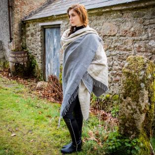 The Feather Linen Throw