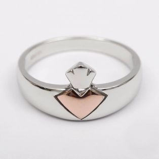 House of Lor Claddagh Ring